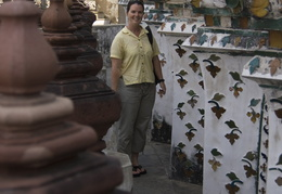 Meghan at Wat Arun