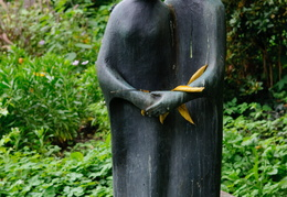 statue in Ludwigshafen park
