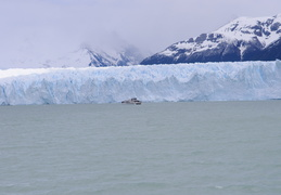 tourist boat in front of the Perito Mereno glacier